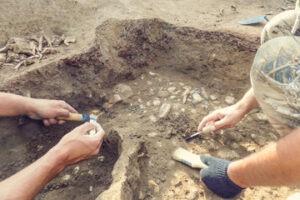 Lee más sobre el artículo La arqueología de los recuerdos- Por Paula Moreno
